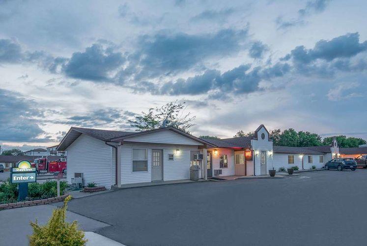 days inn hotel motel for sale in north dakota