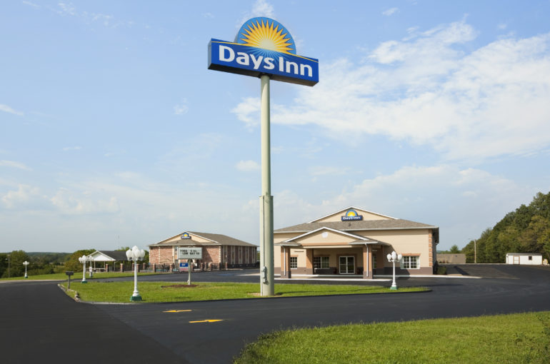 Interstate Days Inn Hotel for Sale Near St. Louis Missouri