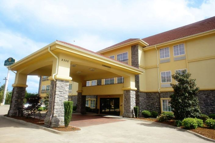 Interstate La Quinta Inn & Suites Hotel for Sale in Arkansas