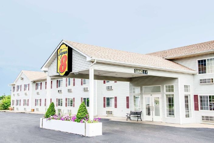 Super 8 Hotel for Sale in Southwest Missouri