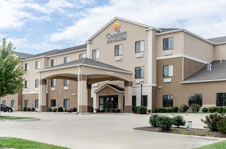 Comfort Inn & Suites Hotel for Sale in Kansas
