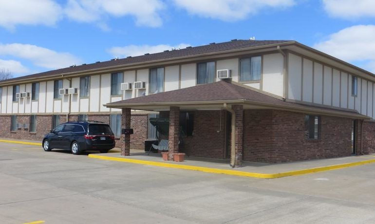 Hotel for Sale in Kansas