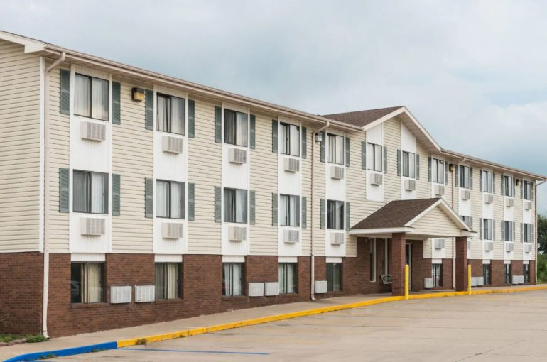 Turnaround Hotel for Sale on I-70 in Missouri