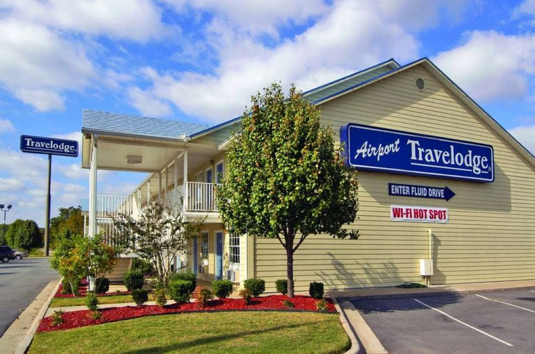 Airport Hotel for Sale on Interstate in Arkansas