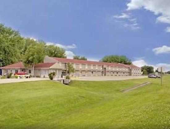 Days Inn hotel for sale in Iowa