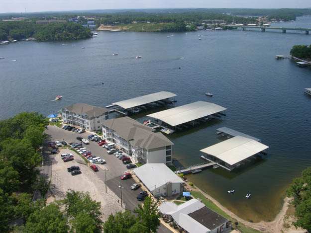 Lakefront Resort for Sale in Missouri