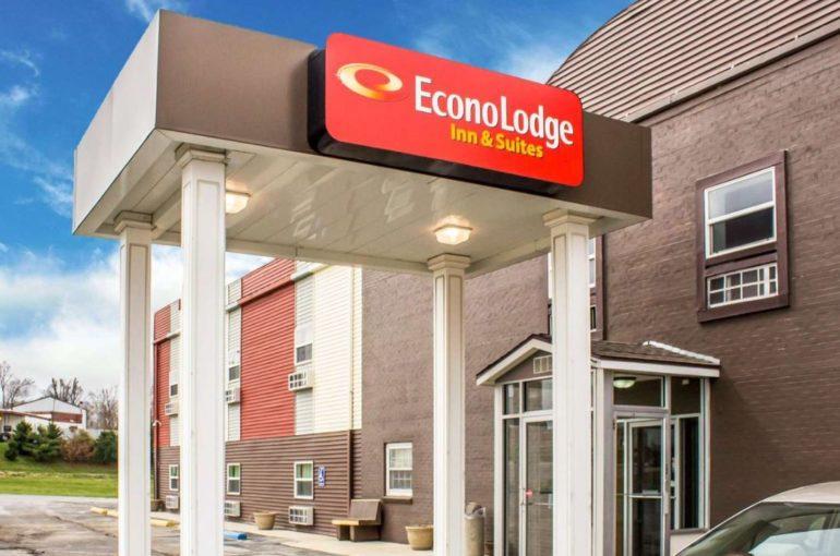 Econo Lodge Hotel for Sale in owa